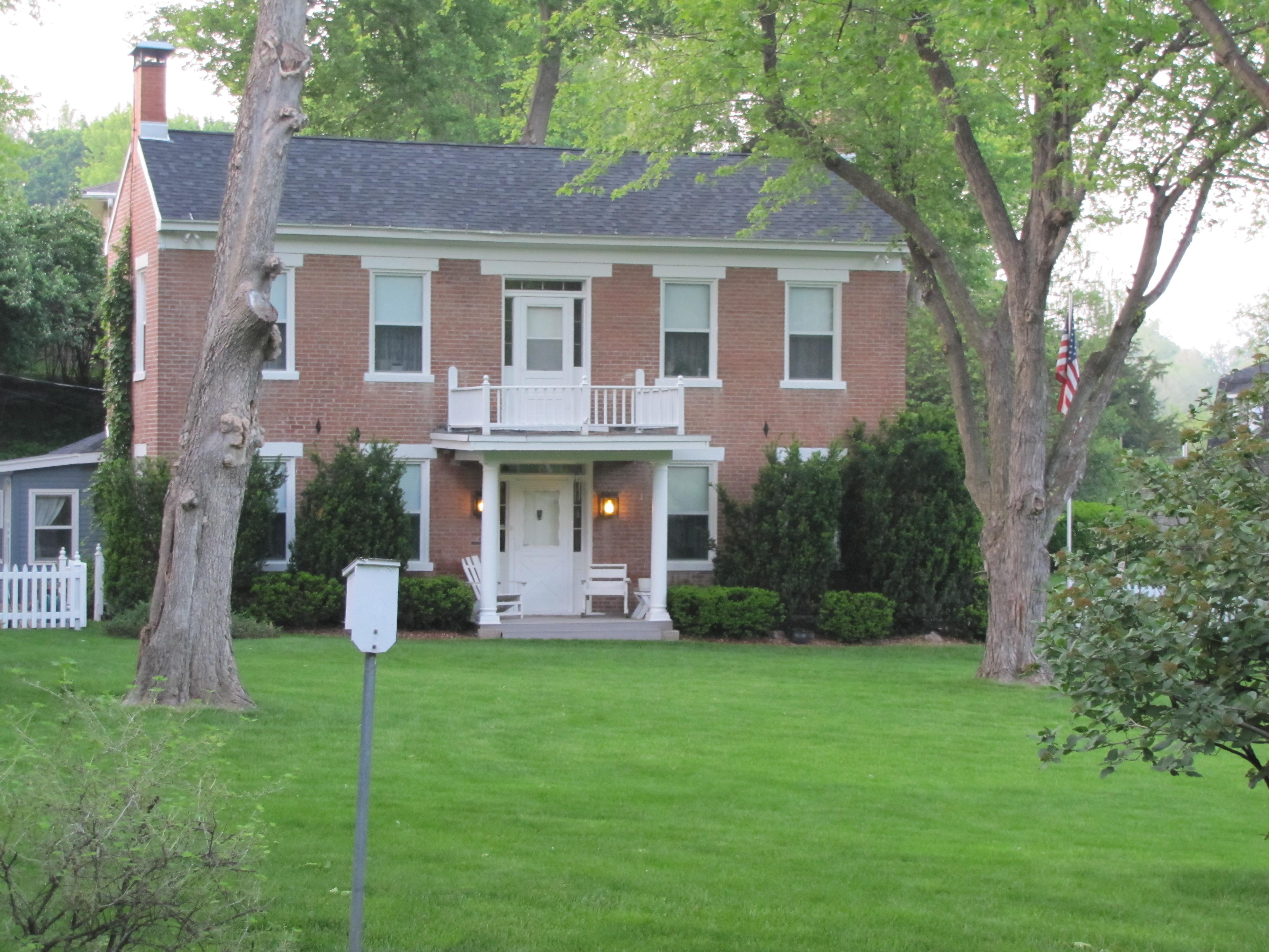 McDonald Sylvester House 2126 E. Kanesville Blvd
